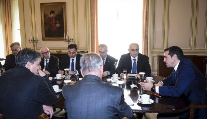 Συνάντηση του Πρωθυπουργού Αλέξη Τσίπρα με το προεδρείο της Ελληνικής Ένωσης Τραπεζών την Δευτέρα 18 Δεκεμβρίου 2017, στο Μέγαρο Μαξίμου. (EUROKINISSI/ΤΑΤΙΑΝΑ ΜΠΟΛΑΡΗ)
