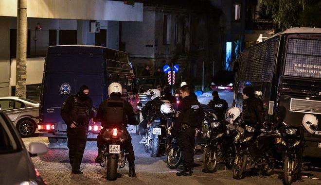 Από την αστυνομική επιχείρηση για την εκκένωση της ανακατάληψης στην οδό Παναιτωλίου στο Κουκάκι