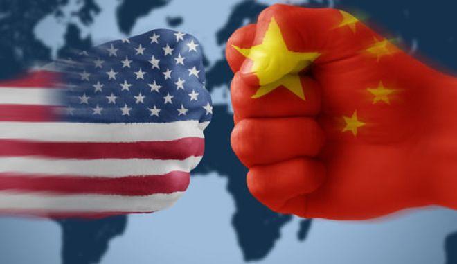 Η Κίνα 'κλείνει' τη στρόφιγγα πρώτων υλών προς τις ΗΠΑ