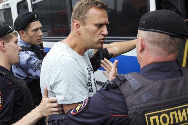 Ο Αλεξέι Ναβάλνι κατά τη διάρκεια αντικυβερνητικής διαμαρτυρίας