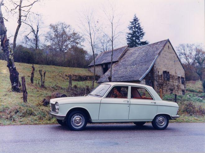 H επέτειος 50 χρόνων από το επαναστατικό Peugeot 204