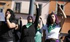 Γυναίκες σε διαδήλωση υπέρ του δικαιώματος στην άμβλωση στο Μεξικό