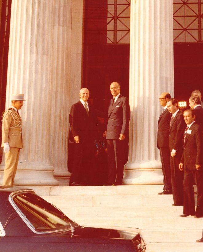 Ο Κωνσταντίνος Καραμανλής με το Ζισκάρ Ντ΄ Εστέν στο Ζάππειο Μέγαρο το 1979
