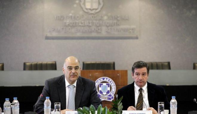 ΑΘΗΝΑ-Συνάντηση είχε ο υπουργός Δημόσιας Τάξης και Προστασίας του Πολίτη, Νίκος Δένδιας με τον  δήμαρχο Αθηναίων, Γιώργο Καμίνη.(EUROKINISSI-ΒΑΣΙΛΗΣ ΠΑΠΑΔΟΠΟΥΛΟΣ)