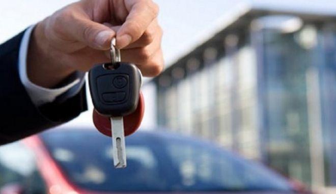 Σταθερά διψήφια αύξηση στις πωλήσεις αυτοκινήτων