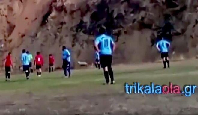 Τρίκαλα: Πρόβατο 'μπούκαρε' σε γήπεδο ποδοσφαίρου και διέκοψε τον αγώνα