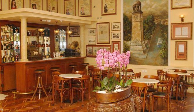 """Στις πολιτιστικές διαδρομές της Ευρώπης το ιστορικό Καφέ """"Κήπος"""" στα Χανιά"""
