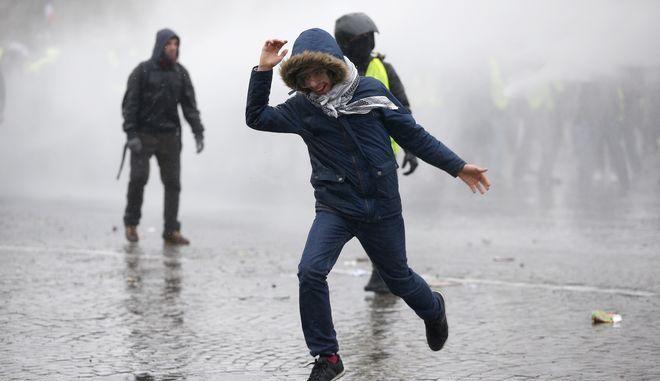 Διαδηλωτές στο Παρίσι