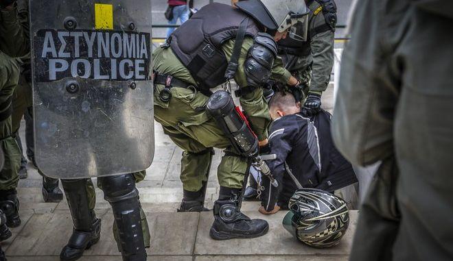 Σύλληψη διαδηλωτή - Φωτογραφία αρχείου