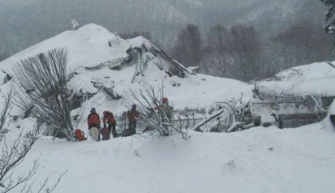 Αμέριστη συμπαράσταση εκφράζει το ΥΠΕΞ στην Ιταλία για την τραγωδία από χιονοστιβάδα