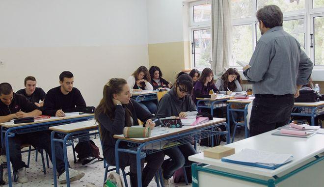 Προσλήψεις εκπαιδευτικών: Σήμερα 1420αναπληρωτών και 800 πιστώσεις