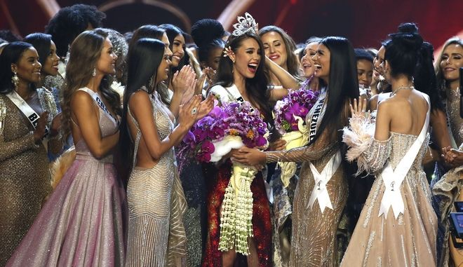 Η Κατριόνα Γκρέι από τις Φιλιππίνες είναι η φετινή Miss Universe.