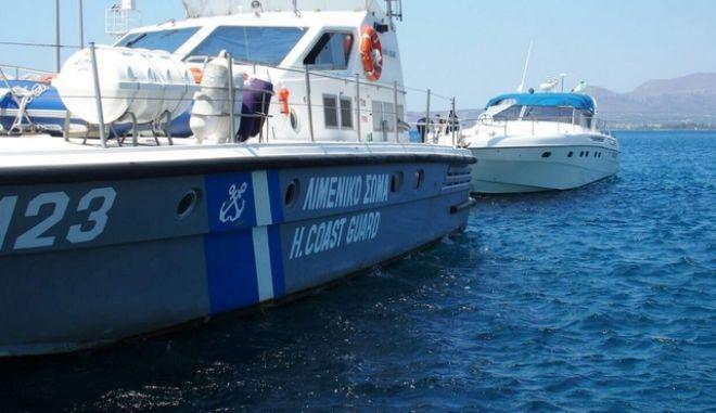Κύθηρα: Δύο τόνους κάνναβης εντόπισαν οι λιμενικοί σε πολυτελές σκάφος