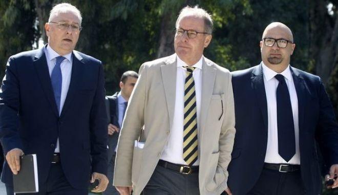 Επίσημο: Εισηγήθηκε ποδοσφαιρικό Grexit ο Χούμπελ