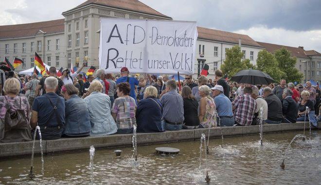 Εικόνα από προεκλογική συγκέντρωση του AfD στο Κότμπους