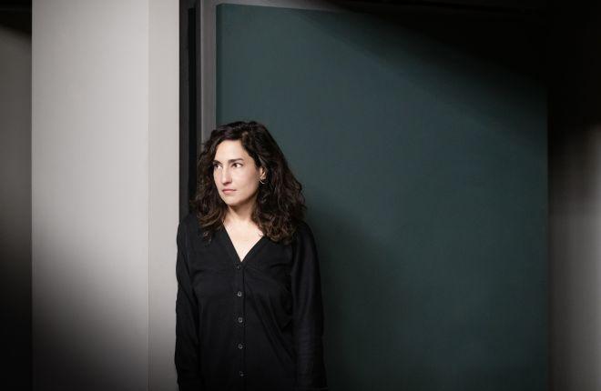 Η σκηνοθέτρια της παράστασης Αργυρώ Χιώτη