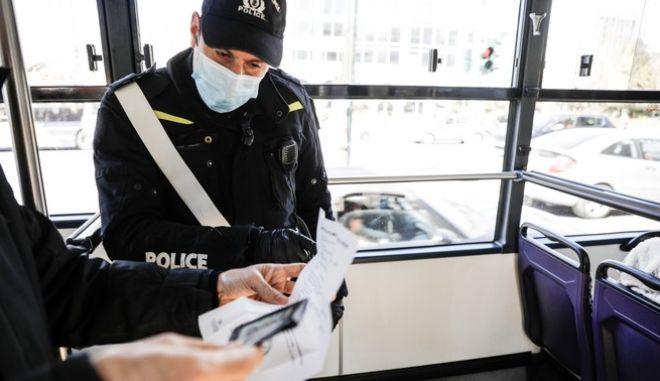 Έλεγχος της αστυνομίας για την τήρηση των περιοριστικών μέτρων