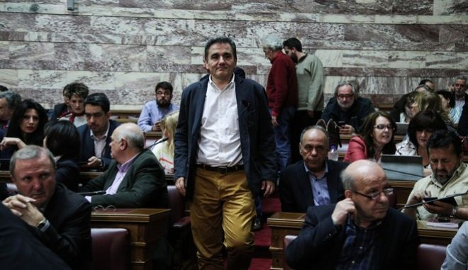 Meeting of the Parliamentary Group of SYRIZA party, in Athens on Apr. 4, 2016 /      , , 4 , 2016
