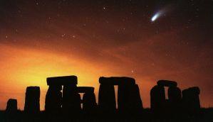 Μαθήματα Ιστορίας: Όταν ο κομήτης Χέιλ Μποπ, έγινε ορατός πάνω από το Στόουνχετζ