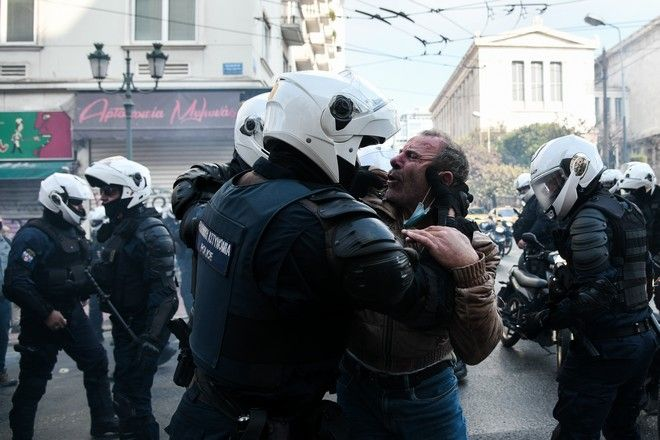 Όργιο αστυνομικής βίας καταγγέλλει το ΚΚΕ