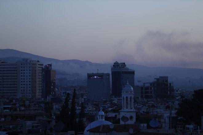 Associated Press-18 φωτογραφίες: επίθεση στην Συρία και η Δαμασκός το πρωί