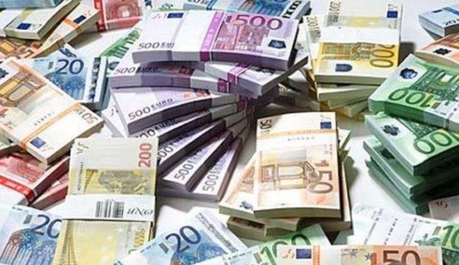 Θεσσαλονίκη: Ποινική δίωξη σε εφοριακό για ξέπλυμα βρώμικου χρήματος