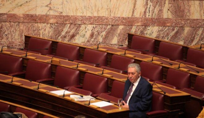 Συνεχίστηκε το απόγευμα της Κυριακής 10 Νοεβρίου 2013, η τριήμερη συζήτηση στη Βουλή επί της πρότασης δυσπιστίας που κατέθεσε ο ΣΥΡΙΖΑ κατά της κυβέρνησης. (EUROKINISSI/ΓΙΩΡΓΟΣ ΚΟΝΤΑΡΙΝΗΣ)