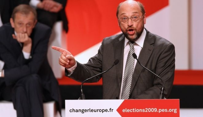 Martin Shultz of the SPD party from Germany gestures as he delivers a speech during the European Socialist election campaign in Toulouse, southwestern France, Friday April 24, 2009. (AP Photo/Bob Edme)