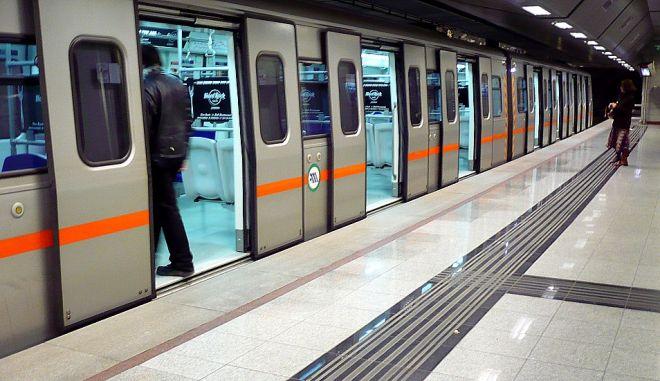 Άνδρας έπεσε στις ράγες του Μετρό Αμπελοκήπων
