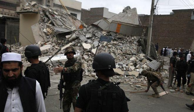 Πακιστάν: Έκρηξη σε χώρο λατρείας στη Λαχόρη - 3 νεκροί και 15 τραυματίες