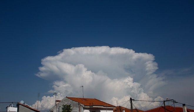 Σύννεφο στον ουρανό