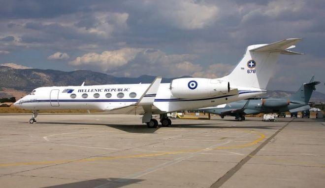 Ματαιώθηκε το ταξίδι Σαμαρά στο Μπακού. Βλάβη στα όργανα του πρωθυπουργικού αεροσκάφους