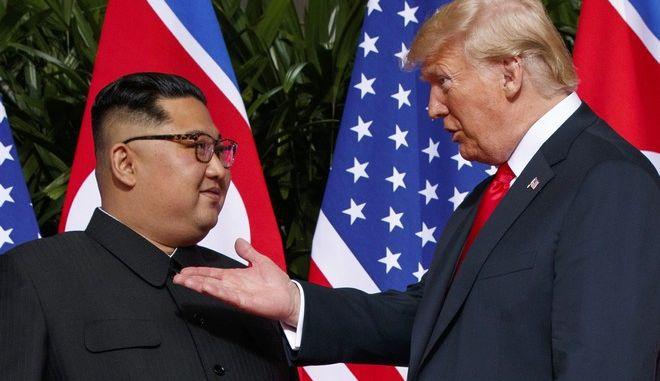 O Nτόναλντ Τραμπ και ο Κιμ στη συνάντησή τους τον περασμένο Ιούνιο