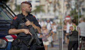Επίθεση στην Ισπανία: Αστυνομικός εξουδετερώνει μόνος τέσσερις τρομοκράτες