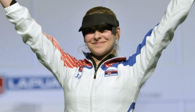 """Μπομπάνα Βελίτσκοβιτς: Πέθανε στον τοκετό η πρωταθλήτρια σκοποβολής - Το """"αντίο"""" της Κορακάκη"""