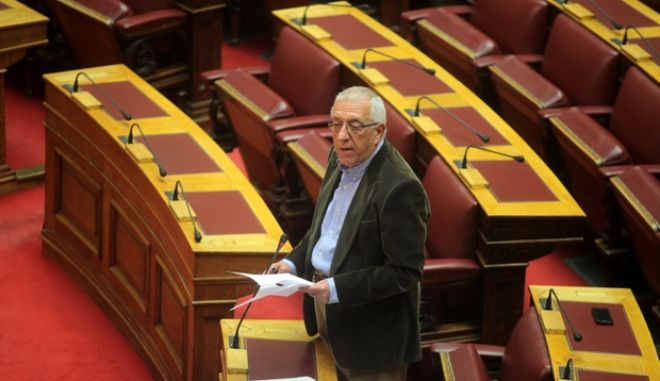 Στιγμιότυπο από την συζήτηση επικαιρων ερωτήσεων στην Βουλή την Τρίτη 23 Απριλίου 2013.  (EUROKINISSI/ΚΩΣΤΑΣ ΚΑΤΩΜΕΡΗΣ)