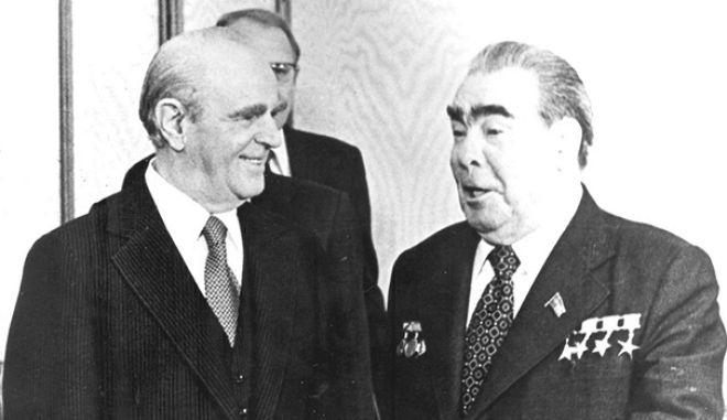 Ανήκομεν εις την Δύσιν, κάνουμε ανοίγματα και στην ΕΣΣΔ