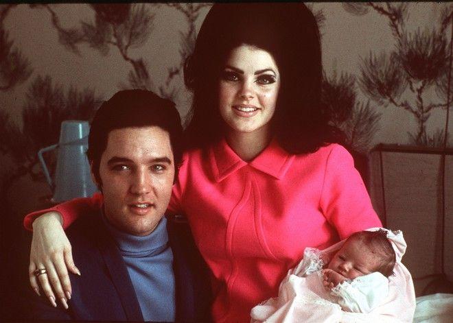 Ο Έλβις Πρίσλεϋ, η Πρίσιλα και η κόρη τους