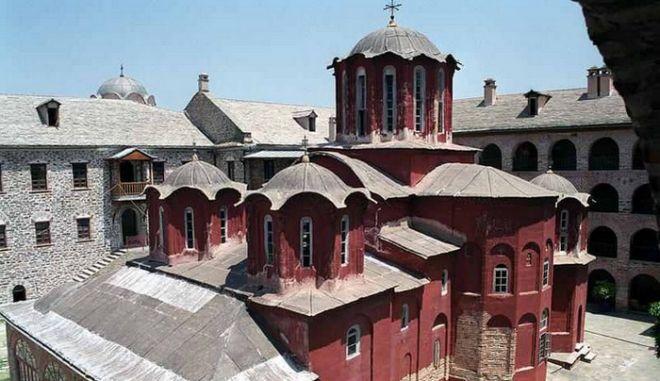 Αγιορείτης μοναχός κατηγορούμενος για αρχαιοκαπηλία