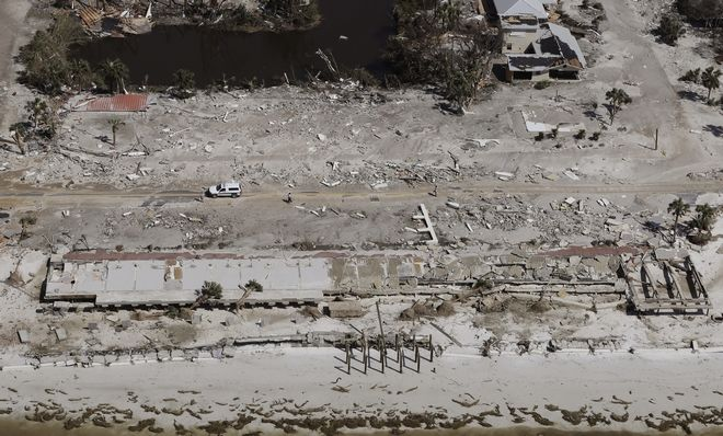 Εικόνα από το Μέξικο Μπιτς στη Φλόριντα μετά το πέρασμα του κυκλώνα Μάικλ