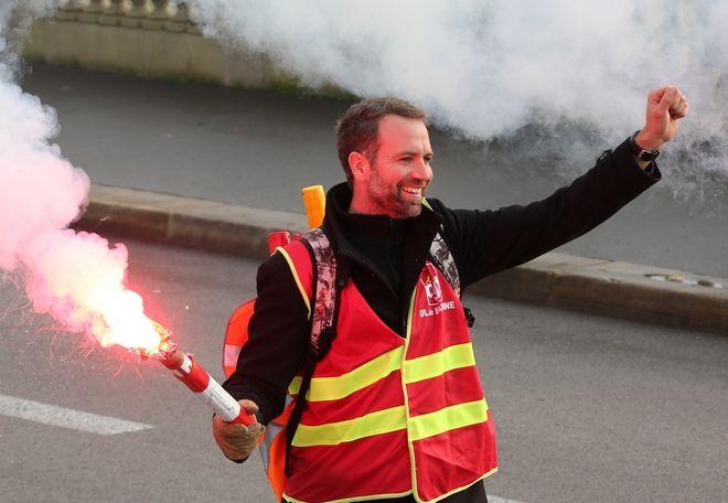Επεισόδια και δακρυγόνα στο Παρίσι
