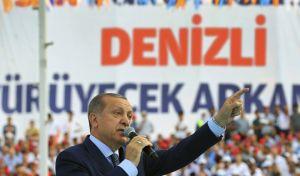 Επιμένει ο Ερντογάν: Δώστε 'χαστούκι' στα εχθρικά προς την Τουρκία, κόμματα