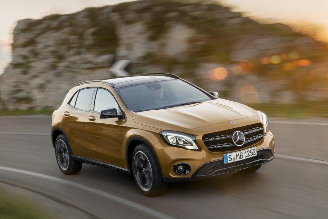 Mercedes-Benz GLA 220d 4MATIC, canyonbeige, Fahraufnahme;Kraftstoffverbrauch kombiniert: 4,8 l/100 km, CO2-Emissionen kombiniert: 127 g/km*  Mercedes-Benz GLA 220d 4MATIC, canyon beige, driving shot;Fuel consumption combined:  4.8 l/100 km; Combined CO2 emissions: 127 g/km*