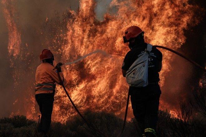 Πυρκαγιά σε δασική έκταση στην περιοχή Κεχριές της Κορίνθου