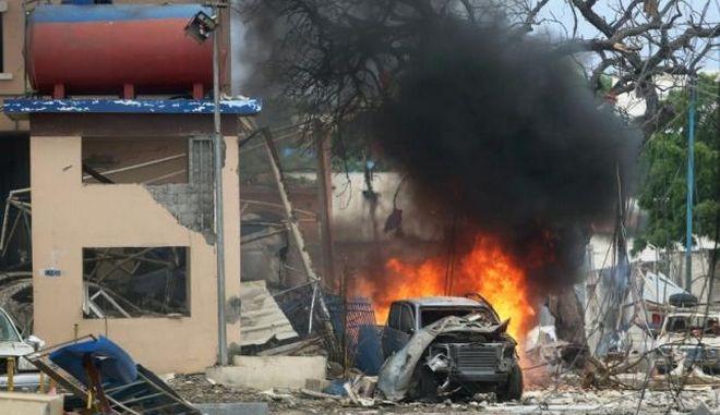 Νεκροί και τραυματίες από επίθεση ισλαμιστών σε ξενοδοχείο στη Σομαλία