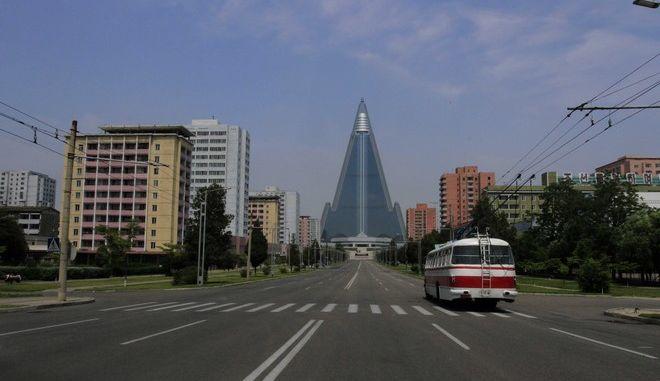 Άδειος δρόμος στη Βόρεια Κορέα