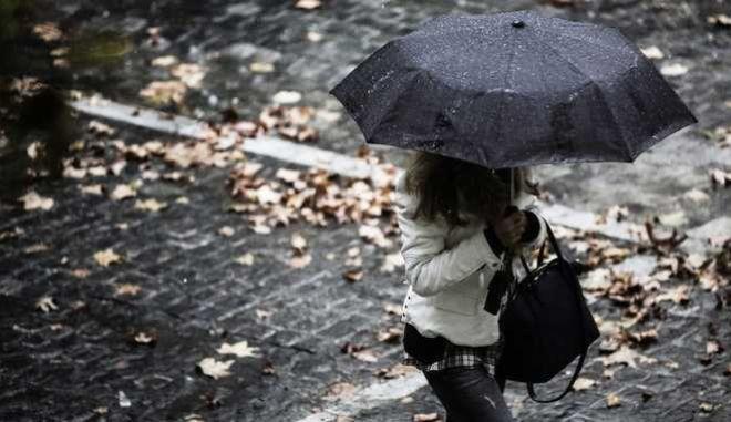 Rain scenes in Athens, on Nov. 13, 2017 /      ,  13 , 2017