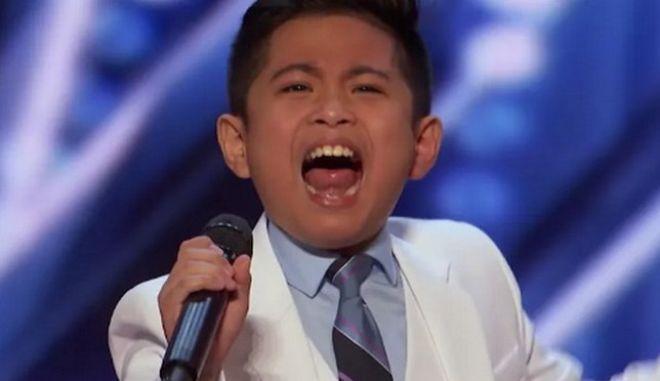 O 10χρονος Πίτερ Ροζαλίτα προφανώς και έχει γεννηθεί για να τραγουδάει, όπως αποδείχθηκε στην πρεμιέρα της 16ης σεζόν του America's Got Talent.