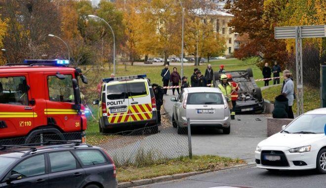 Όσλο: Κλεμμένο ασθενοφόρο έπεσε πάνω σε πλήθος