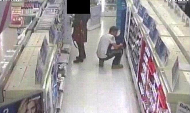 Βίντεο: Νεαρός συνελήφθη να βγάζει φωτογραφίες κάτω από τις φούστες γυναικών